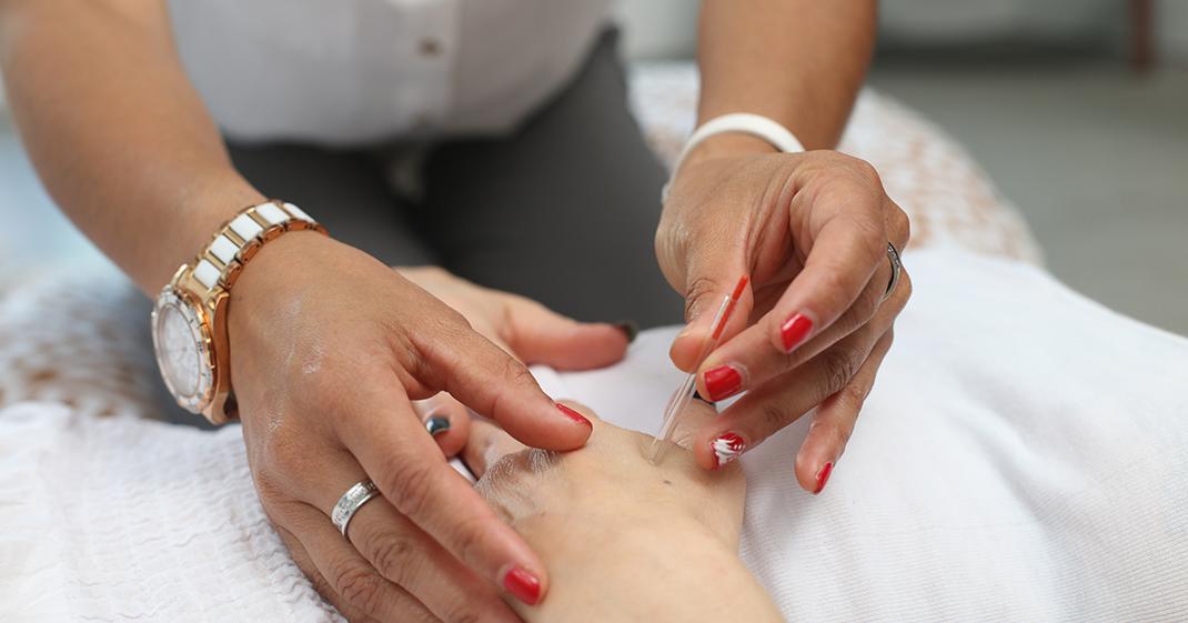 5 terapias praticadas na medicina alternativa