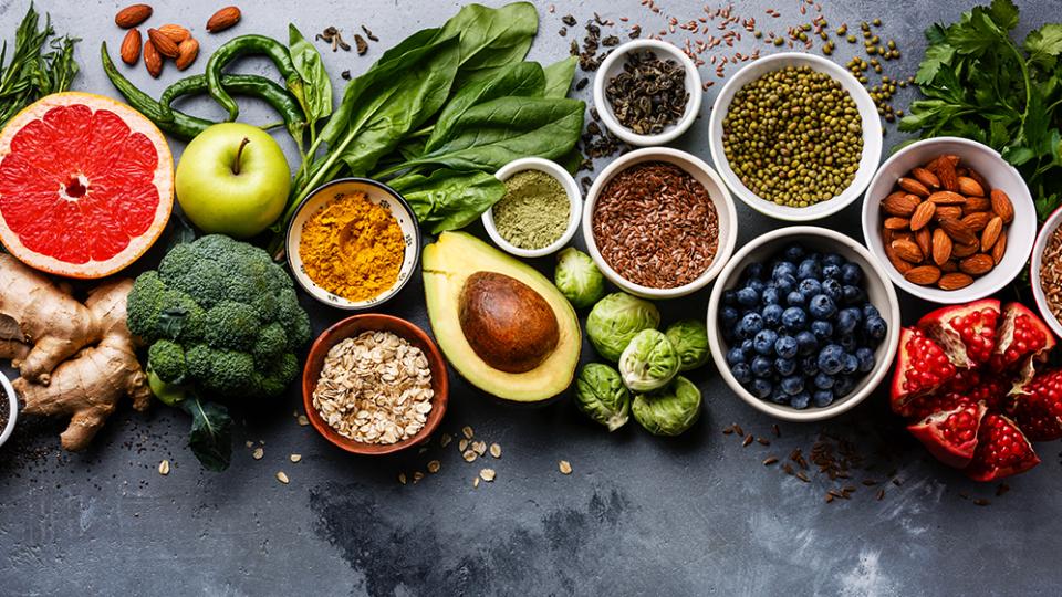 10 alimentos desintoxicantes para comer todos os dias