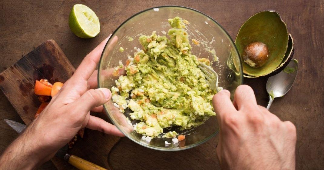 Aprenda a fazer uma receita de guacamole com Chlorella
